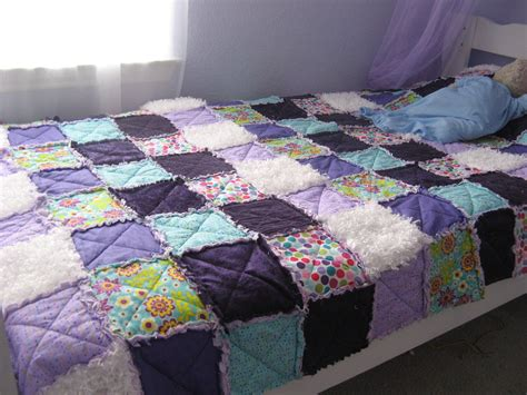 How To Make A Rag Quilt With Cotton Fabric by Diy Rag Quilt Somewhere In The Middle