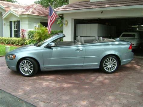 purchase   volvo  hardtop convertible  florida lady owner   brand