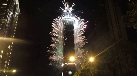 new year fireworks taipei the 2017 taipei 101 new year s fireworks display
