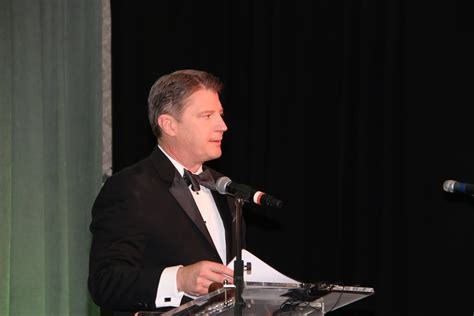 whats wrong with the ksdk news caster mike busch ksdk 5 news anchor master of ceremoniies