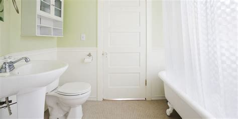 How To Clean An Bathtub by How To Speed Clean Your Bathroom Bathroom Cleaning Tips