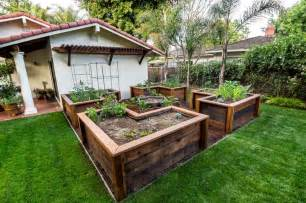 Garden Bed Layout Diy Easy Access Raised Garden Bed