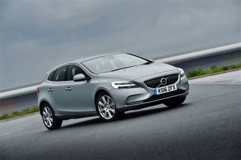 volvo d2 review volvo v40 d2 review car review rac drive