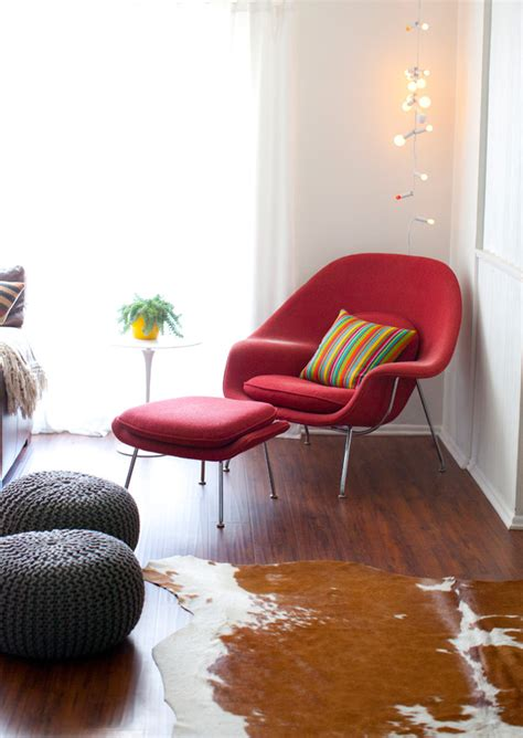 Get a Cozy Seating in Your Living Room by Decorating a