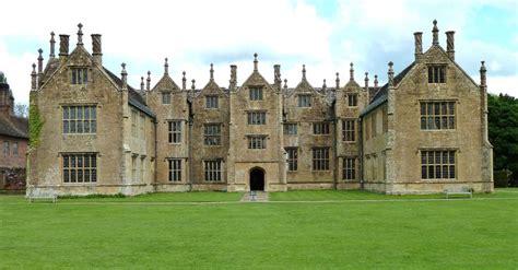englefield house englefield is a late elizabethan e plan die besten 25 barrington court ideen auf pinterest