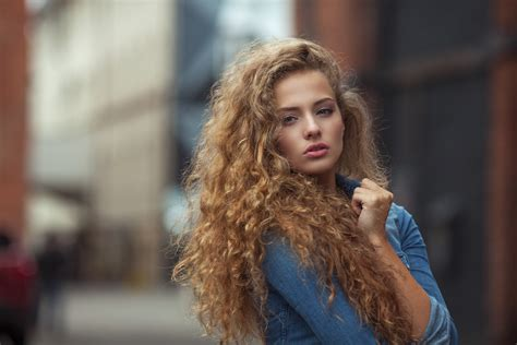 should older women have their hair permed curly the process of getting a perm at a hair salon