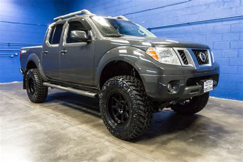 lifted nissan frontier for sale nissan frontier pro 4x lifted pixshark com images