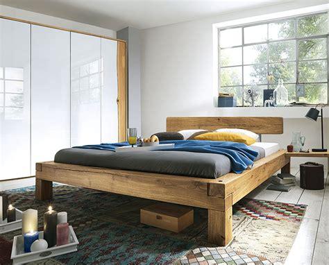 eiche rustikal möbel wohnzimmer in grau lila