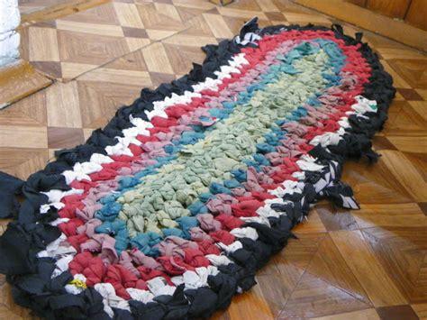 diy yarn rug in colour diy t shirt yarn rug