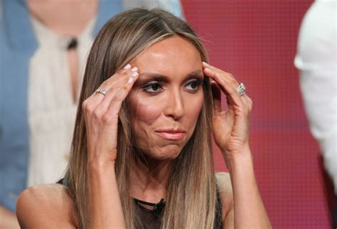 what is wrong with giuliana rancic face giuliana rancic finds a few gray hairs promptly freaks
