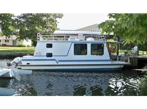 2003 catamaran cruisers lil hobo houseboats pinterest - 2003 Catamaran Cruisers Lil Hobo