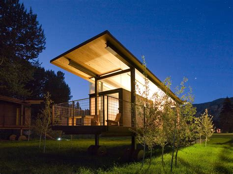 Rolling Cabins by Rolling Huts