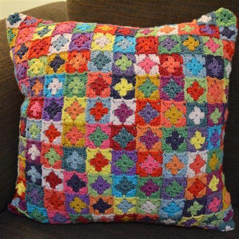 cuscini a uncinetto 85 idee ispiratrici per cuscini all uncinetto uncinetto