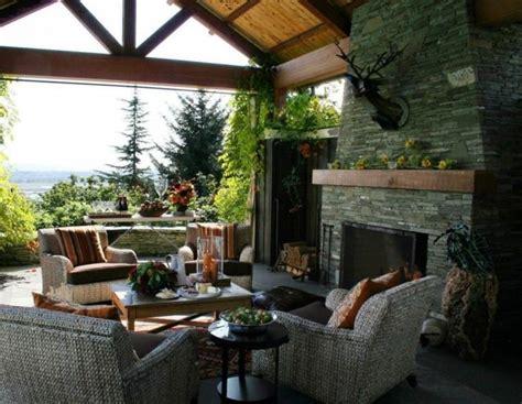 außenküchen mit kamin idee kamin terrasse
