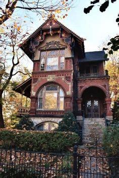 carpenter gothic house images   gothic