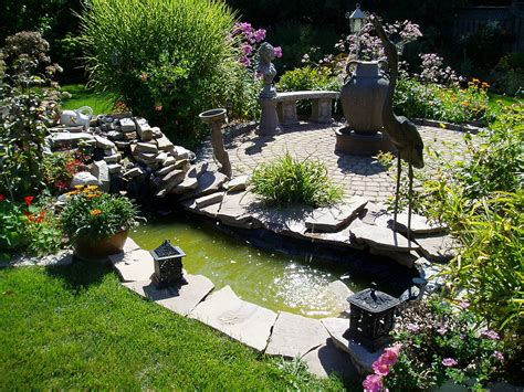 backyard gardens small backyard big ideas rainbowlandscaping s weblog