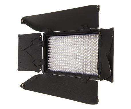 best led light kit for interviews ikan standard interview led light kit 4 iled312 barndoor