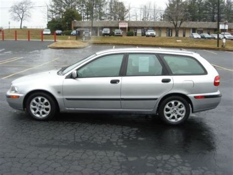 how to learn about cars 2001 volvo v40 electronic throttle control purchase used 2001 volvo v40 base wagon 4 door 1 9l auto runs good in atlanta georgia united