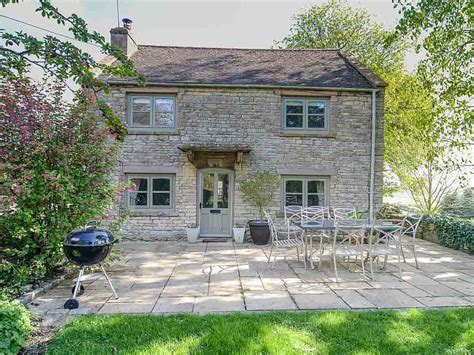 Cottages In Cotswolds With Dogs by E7150 Cotswolds Cottage In A Location With