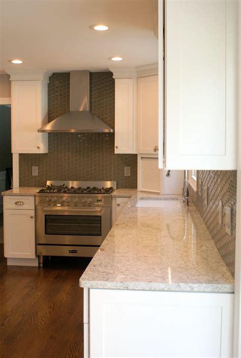 kitchen countertops granite vs quartz