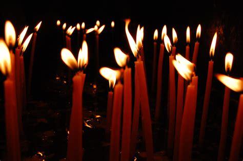 preghiera della candela siria candela accesa e una preghiera per la pace