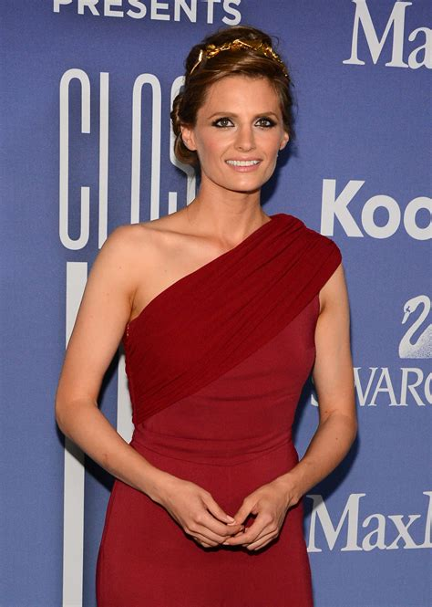 women in film s 2013 crystal lucy awards arrivals chin length stana katic 2013 women in films crystal 05 gotceleb