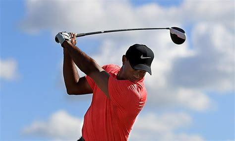 tiger woods full swing a frame by frame breakdown of tiger woods new look golf