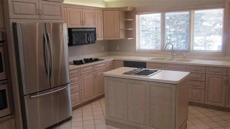 ideas for refinishing kitchen cabinets honey oak cabinets refinish deductour