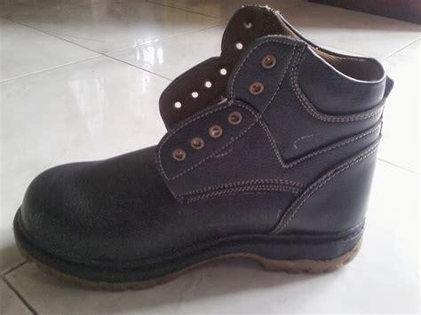 Sepatu Pdh Makassar sepatu safety surabaya grosir sepatu safety jual sepatu