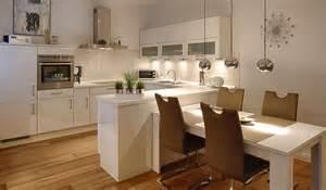 kche mit integriertem essplatz kuche integrierter esstisch airemoderne