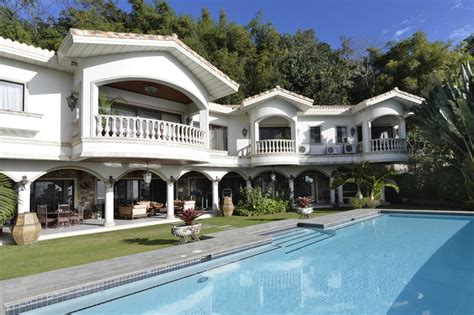 9 bedroom house luxury house in maria luisa park overlooking cebu and the