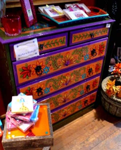 Mexican Painted Furniture by Colorful Mexican Table And Chairs Such As Bright Greens