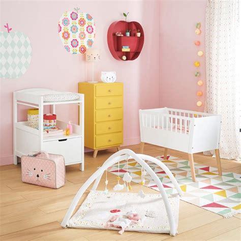 Exceptionnel Idee De Chambre Bebe Fille #7: Idee-deco-chambre-bebe-fille-rose-jaune-e1464799627633-1.jpg