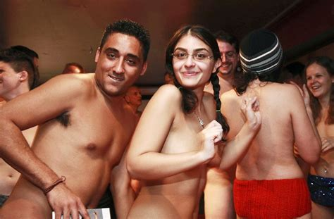 New York Youth Hold Naked Party Chinese Netizen Reactions Chinasmack