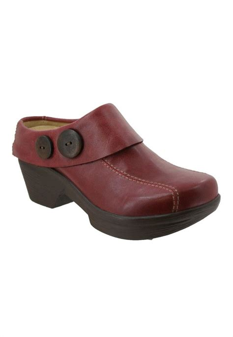 clogs for nursing 17 best images about clog world on gardens