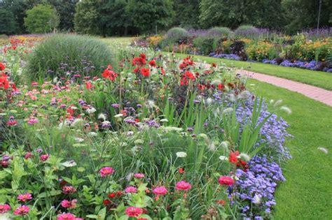 Britzer Garten Mohriner Alle by Saisonbepflanzungen In Der Mohriner Allee B 252 Ro Christian