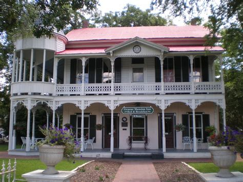 bed and breakfast gruene tx file gruene mansion inn bed breakfast jpg wikimedia
