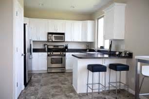 White Kitchen Floor Ideas 30 Grey And White Kitchen Ideas Grey And White Kitchen Grey Kitchen Kitchen Design White