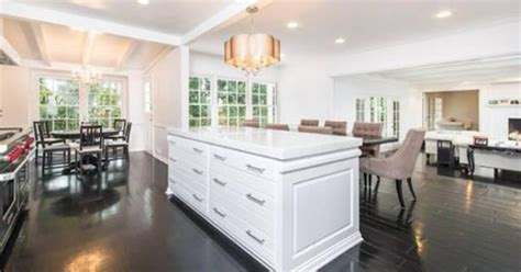 Conrad Kitchen by What S Cooking Conrad Buys 3 7 Million Home In