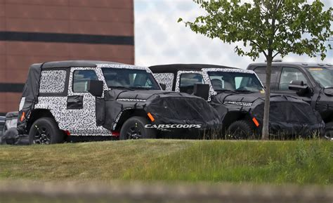 jeep instructions 2018 jeep wrangler owner s manual leaks online carscoops