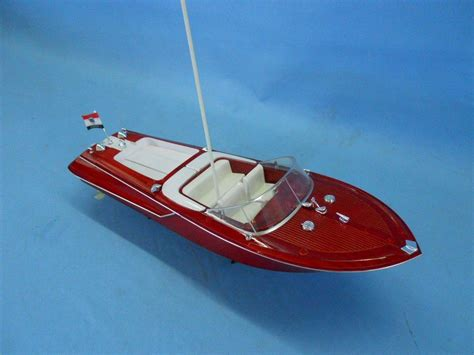 pictures of remote control boats buy ready to run remote control riva aquarama 18 inch