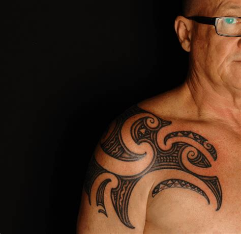 57 fantastic maori shoulder tattoos