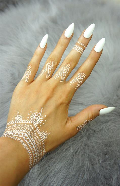 henna tattoo hair dye best 25 henna hair ideas on henna hair color