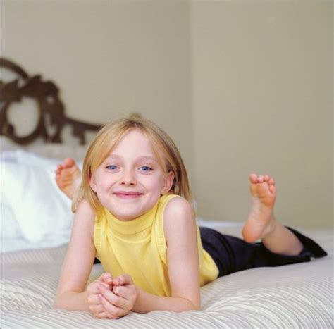 onion link kids stars childhood pictures images dakota fanning hd