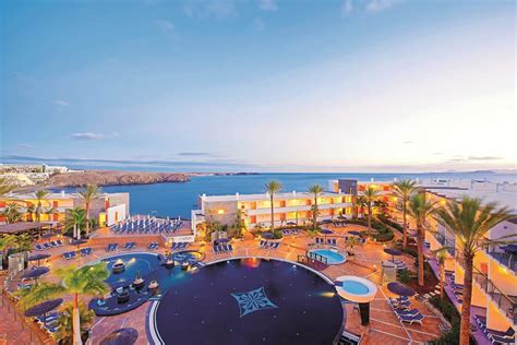 mirador papagayo playa blanca the mirador papagayo playa blanca hotels jet2holidays