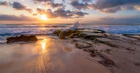 spectacular sunset  bali exotic beach bali indonesia