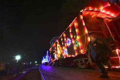 fremont christmas tree lighting parade and train of
