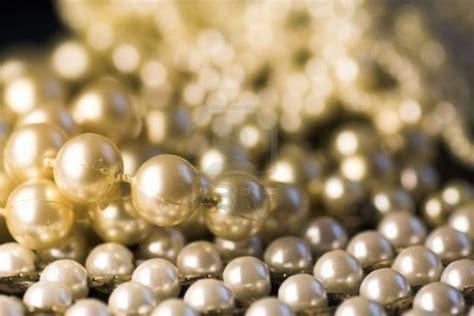 Wallpaper Diamonds And Pearls
