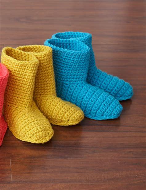 free crochet slipper boot pattern bernat slipper boots crochet pattern yarnspirations