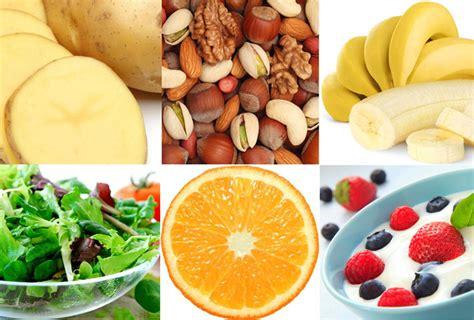 stanchezza e alimentazione stanchezza alimenti per regolare l energia e ritrovare la